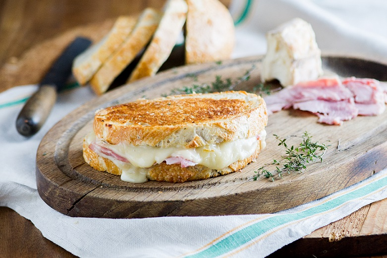 Ham and Taleggio Cheese with Roasted Garlic