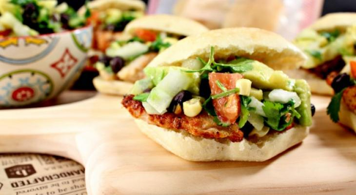 Grilled Chicken Sliders with Spicy Avocado Relish