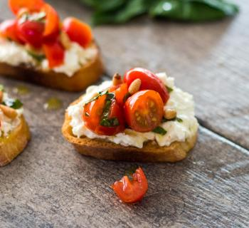 LIVEKINDLY and Jonathan Davis perfect tomato toast